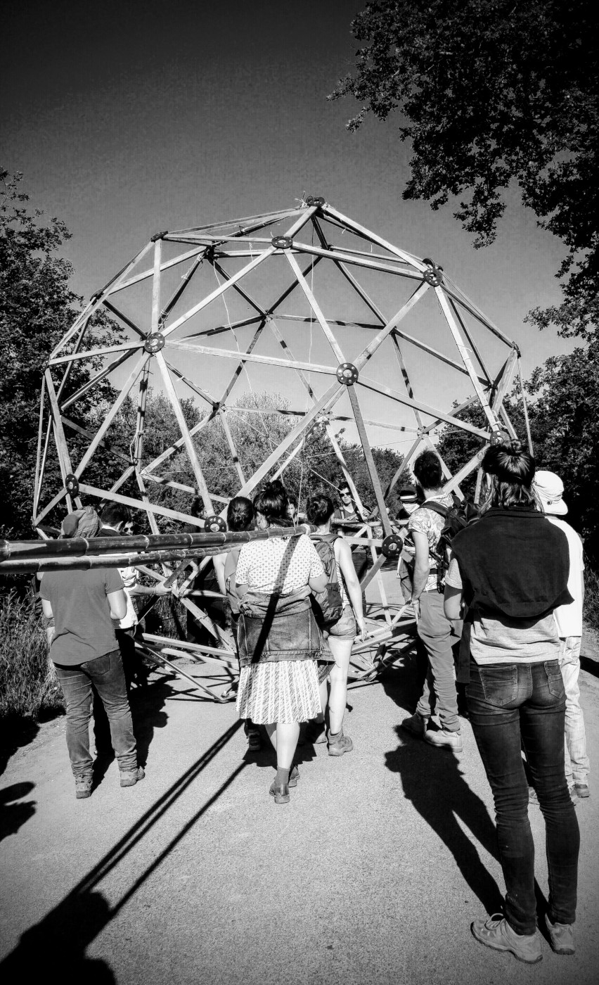 domes Gourbi reconstruction sur la ZAD